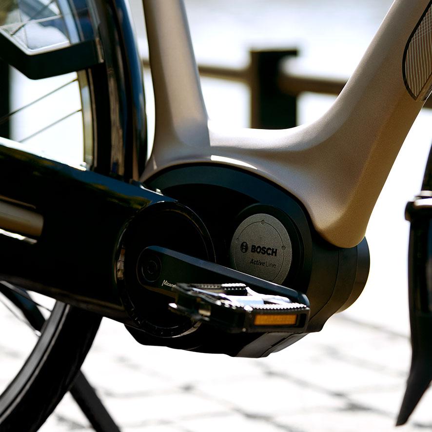 Der robuste Bosch-Motor ist sowohl für den Alltag als auch für längere Strecken ideal.