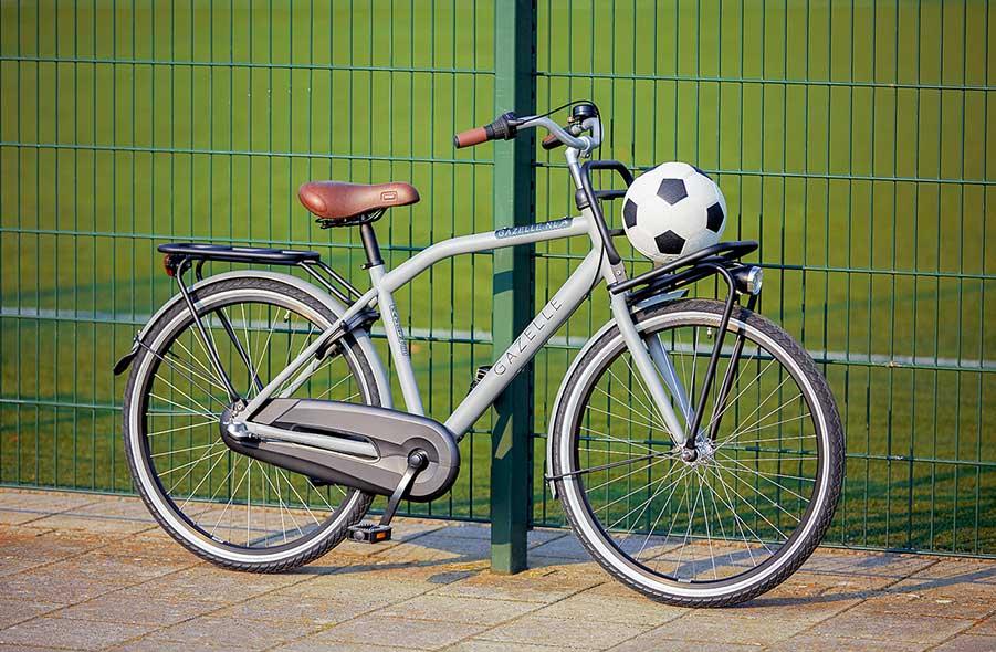 Ein Rad, das auch mal einen Stoß verträgt, dank kratzfestem Lack, sehr hartem Alurahmen und geschlossenem Kettenkasten
